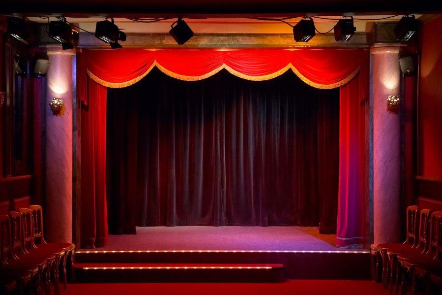 phông hội trường sân khấu đẹp