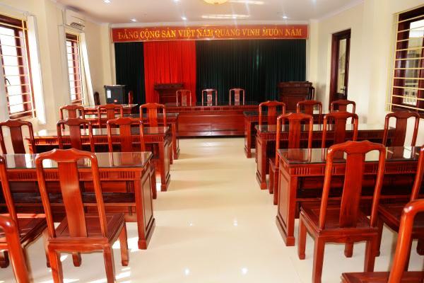 ghế hội trường bằng gỗ