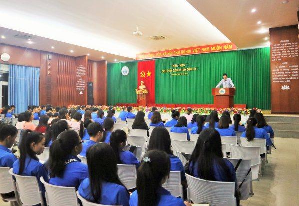 thiết kế hội trường dùng trong học đường