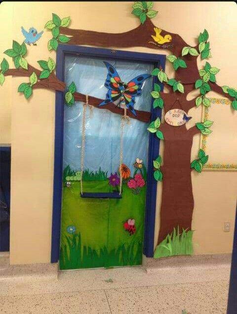 trang trí phòng học mầm non từ cửa ra vào