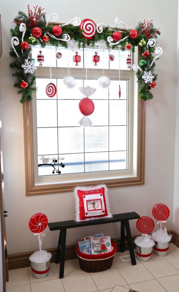 trang trí phòng học mầm non từ khung cửa sổ