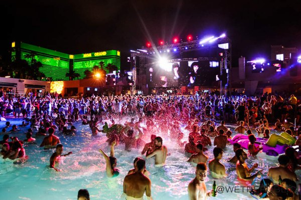 pool party là gì