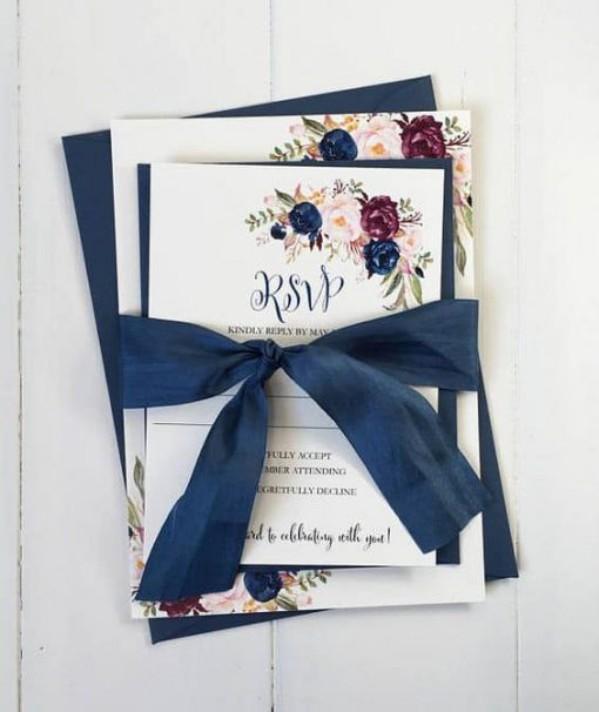 Thiệp cưới theo phong cách Vintage đơn giản, nhẹ nhàng